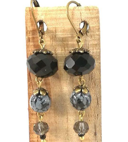 boucles-doreilles-noires-en-obsidienne-flocon-de-neige-et-cristal-de-boheme