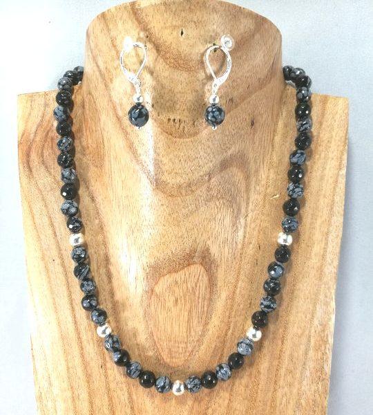 collier-noir-en-obsidienne-flocon-de-neige-et-argent-massif
