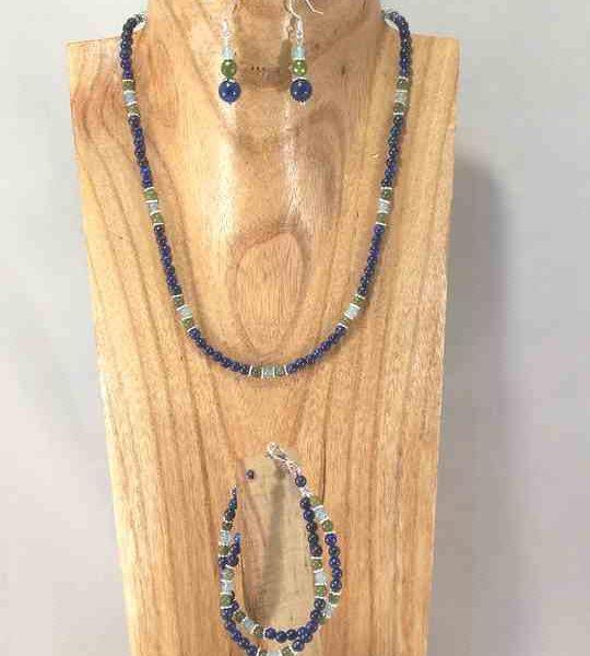 collier-en-lapis-lazuli-et-jade-avec-bracelet-et-boucles-assorties-2