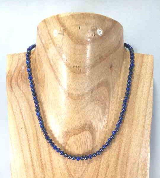 collier-fin-en-lapis-lazuli-ras-de-cou