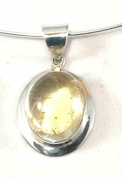 pendentif-oval-en-quartz-rutil