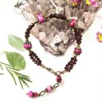 bracelet-2-rangs-baroque-fuchsia-en-grenat-et-regalite