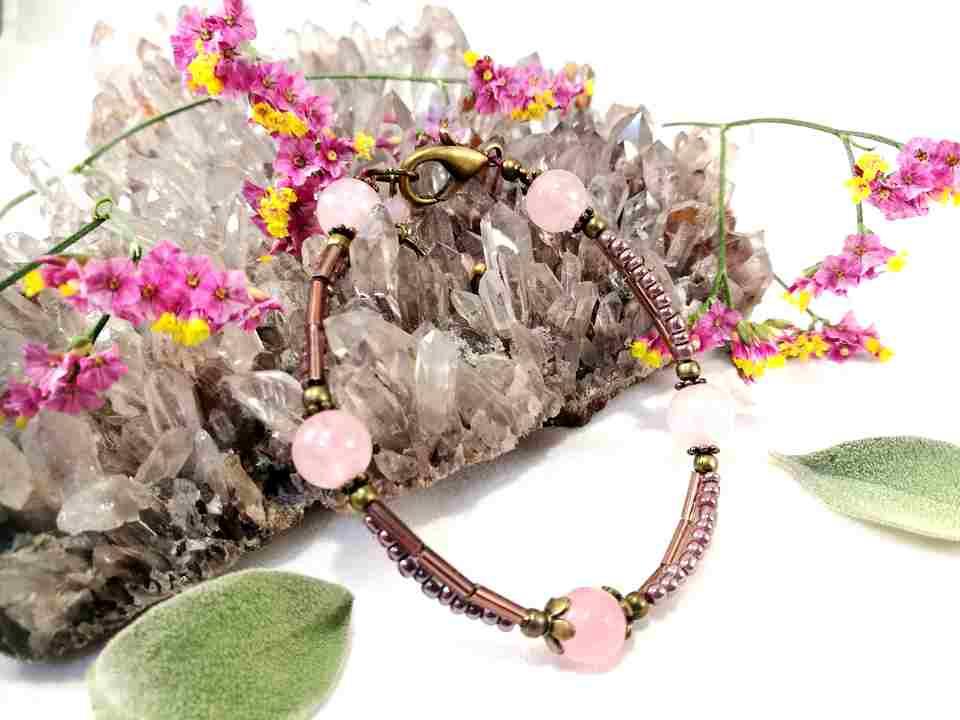 bracelet-3rangs-en-quartz-rose