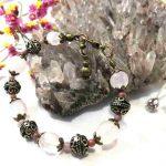 bracelet-romantique-en-quartz-rose