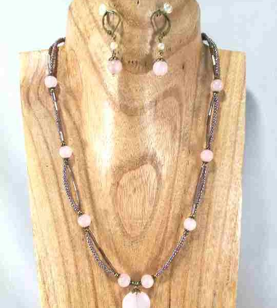 collier-2-rangs-en-quartz-rose