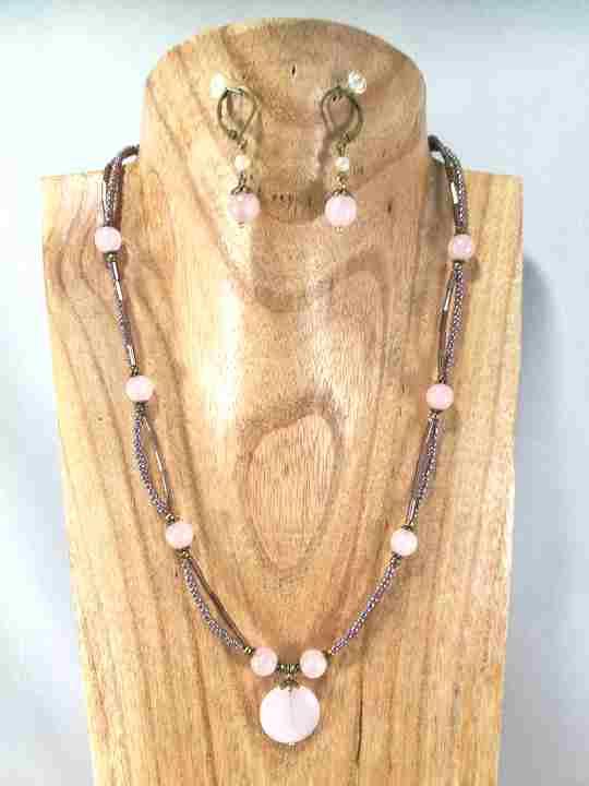 collier-2-rangs-en-quartz-rose