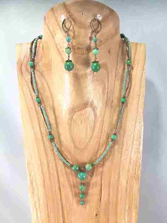 collier-2-rangs-vert-turquoise-en-howlite