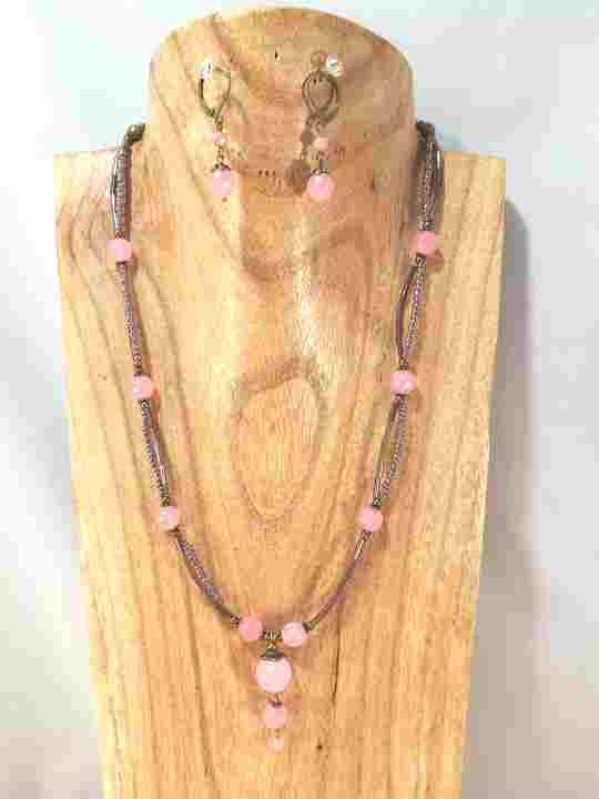 collier-rose-2-rangs-en-jade-teint