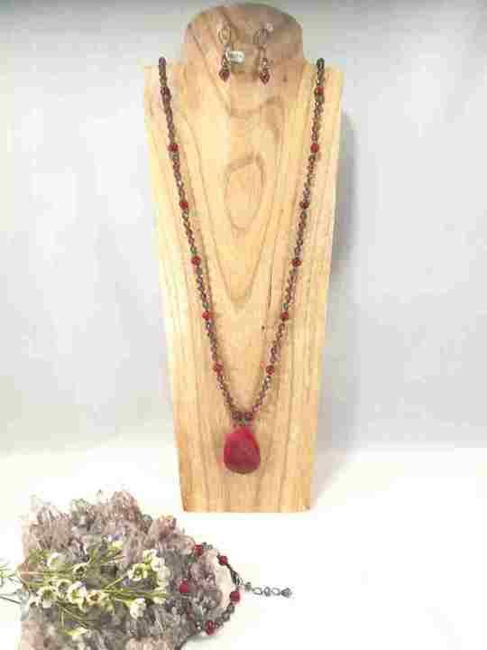 collier-sautoir-rouge-a-pendentif-dagathe
