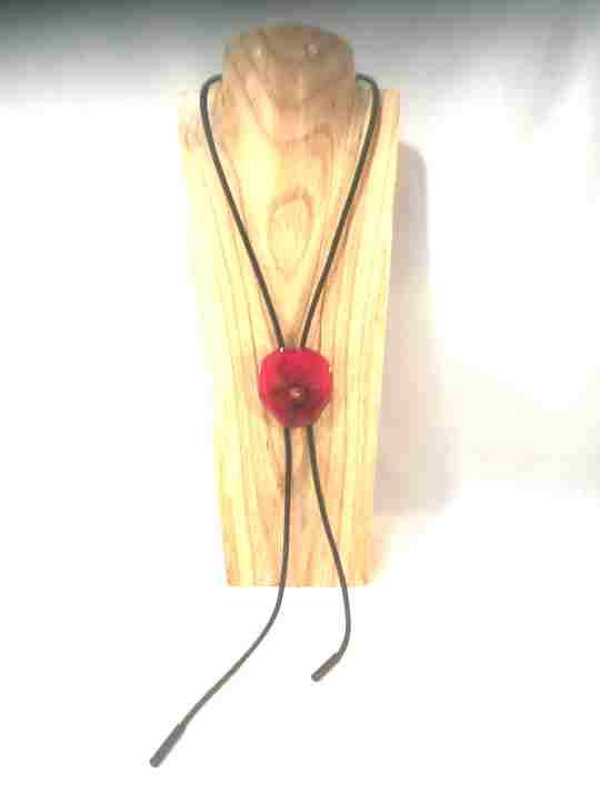 collier-cravate-dune-veritable-pensee-fuchsia-xl-2-les-creations-de-marion.jpg