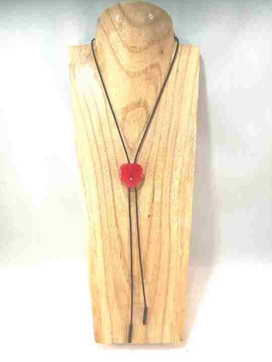 collier-cravate-dune-veritable-pensee-rouge-s