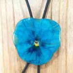 collier-cravate-dune-veritable-pensee-turquoise-l-2
