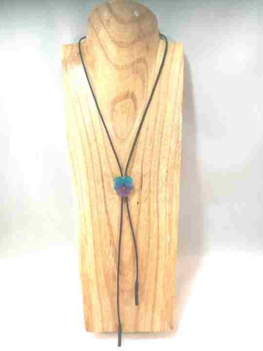 collier-cravate-dune-veritable-pensee-turquoise-mauve-s