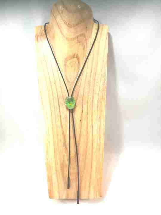collier-cravate-dune-veritable-pensee-vert-olive-et-pomme-s