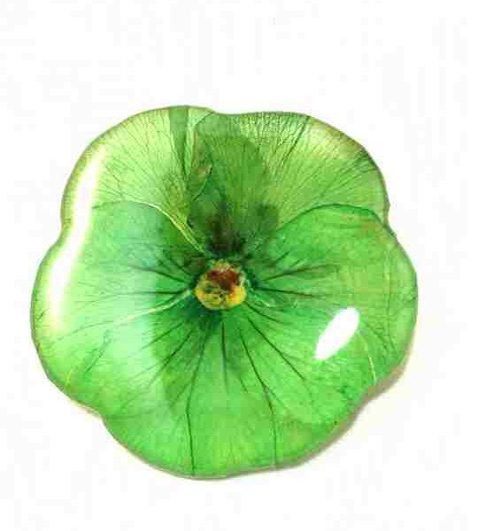 veritable-pensee-vert-pomme-en-broche-m