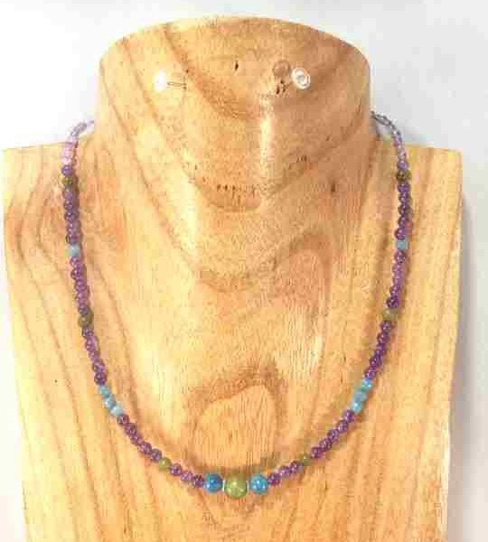 collier-violetturquoisevert-en-amethyste-apatite-et-jade