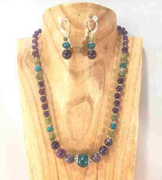 collier-violetturquoisevert-en-amethyste-chrysocolle-et-jade