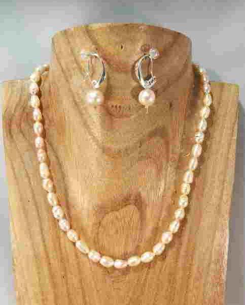 collier-en-perles-de-culture-ovales-saumon-43cm
