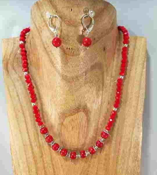 collier-rouge-en-corail-et-cristal-de-boheme